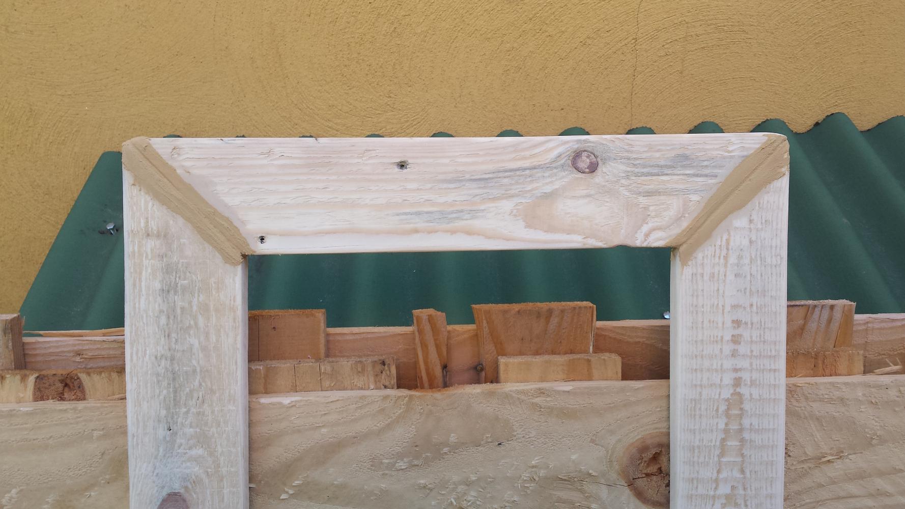 Comment fabriquer un cadre en bois vieilli palettes co for Fabriquer un miroir en bois
