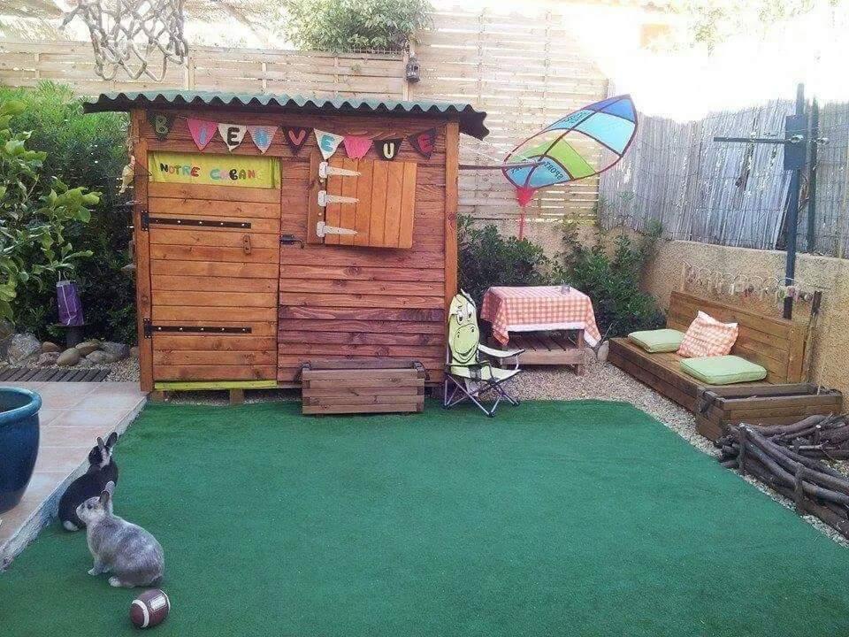 Cabane pour enfants en palettes construction pour jardin - Cabane exterieur enfant ...