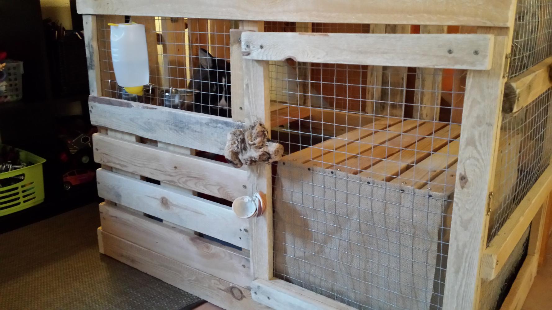 mieux qu 39 une cage lapins la cabane lapins en palettes. Black Bedroom Furniture Sets. Home Design Ideas