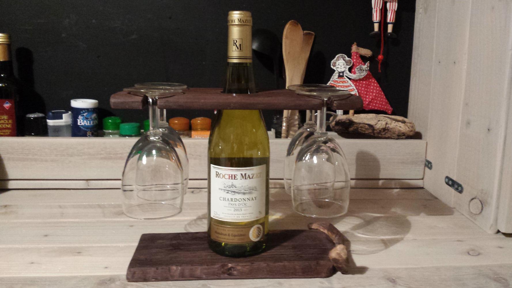 porte bouteille vin et verres avec planche d couper saucisson palettes co. Black Bedroom Furniture Sets. Home Design Ideas