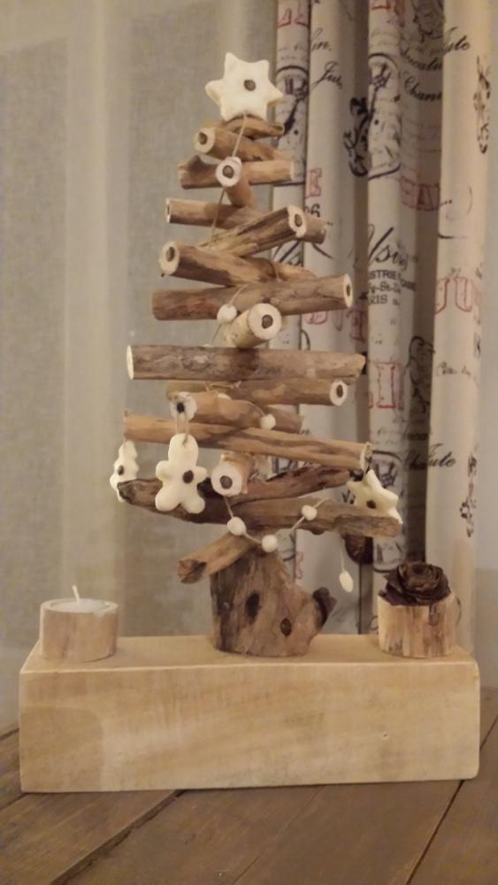Sapins de no l de table en bois flott s palettes co for Bois flotte beziers