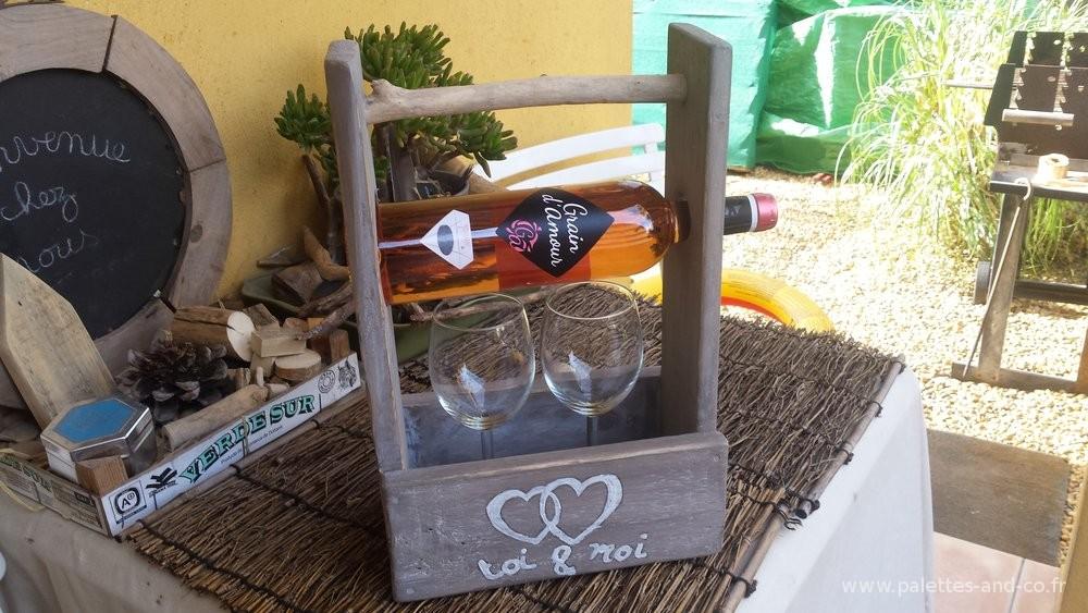 Porte bouteille de vin personnalisable en bois de palettes - Combien de bouteilles de vin sur une palette ...
