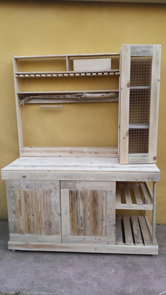 R alisation d 39 un buffet en palettes pour une cuisine - Peindre des palettes en bois ...