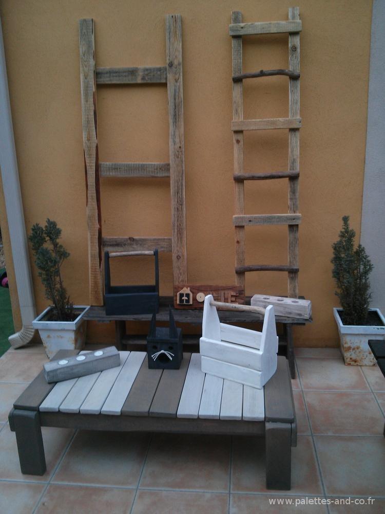 echelles d coratives en bois massifs palette et bois. Black Bedroom Furniture Sets. Home Design Ideas