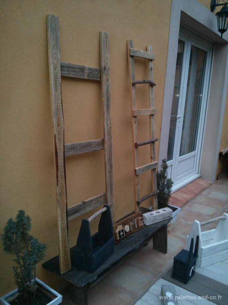 Echelle En Bois Flotte : , les ?chelles permettent de meubler et d?apporter un support de