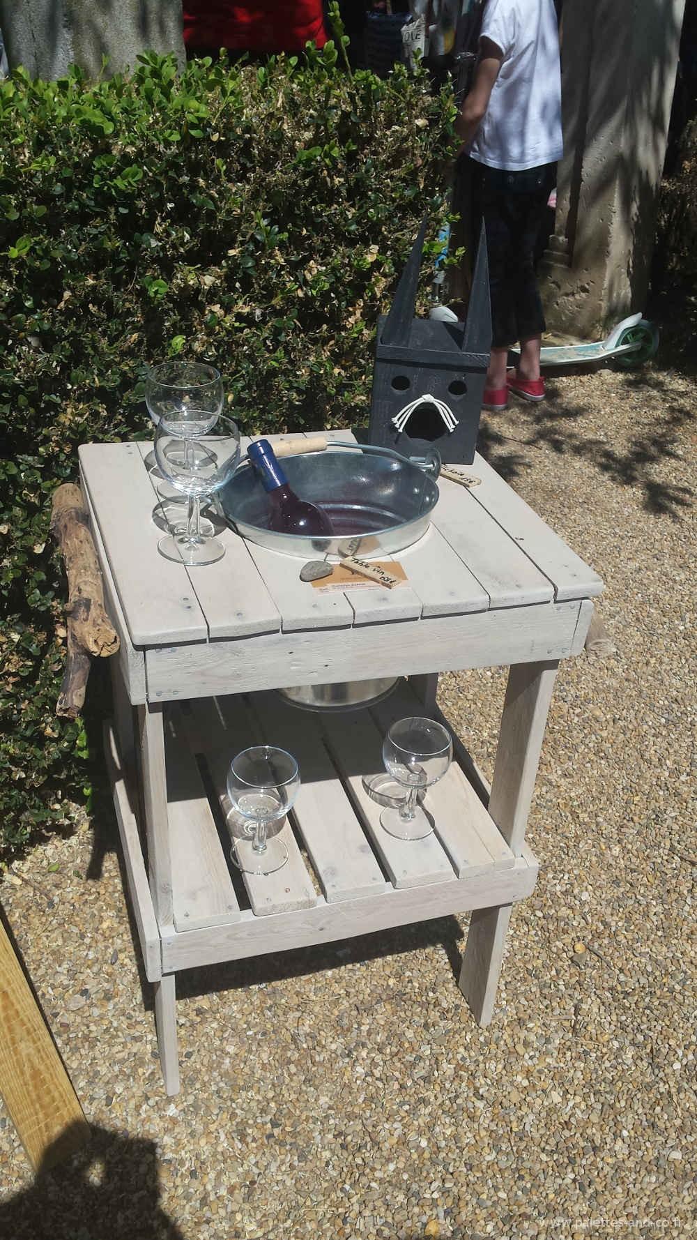 Porte vin de jardin avec seau gla ons palettes co for Jardin des vins 2015 horaires