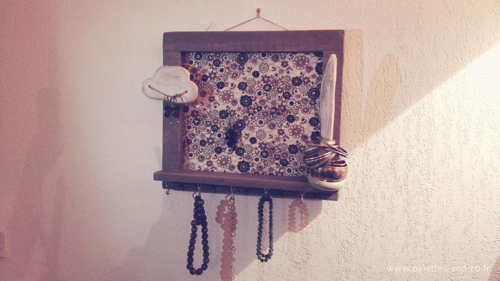 porte bijoux personnalisable bois de palettes. Black Bedroom Furniture Sets. Home Design Ideas