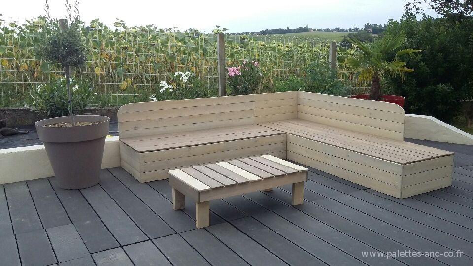 banquette de jardin en bois de r cup ration et sa table. Black Bedroom Furniture Sets. Home Design Ideas